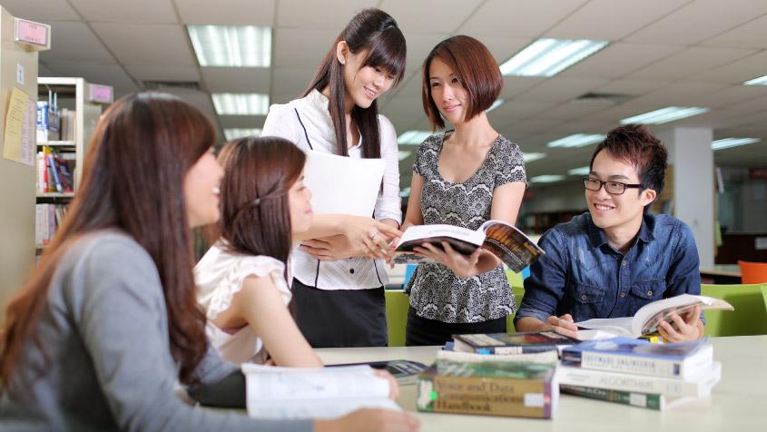 Giáo viên tiếng Hàn, tiếng Nhật, tiếng Pháp, tiếng Đức