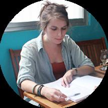 Julianne Cassidy learning vietnamese at Global Learn